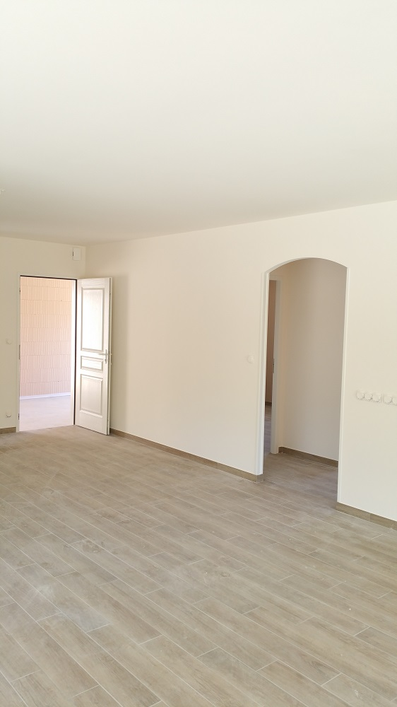 peinture maison neuve peinture interieur maison neuve d coration peinture maison neuve id e. Black Bedroom Furniture Sets. Home Design Ideas