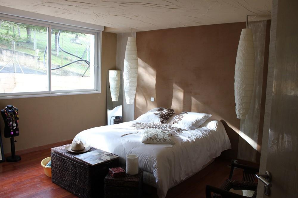 Mise en décoration de chambre .