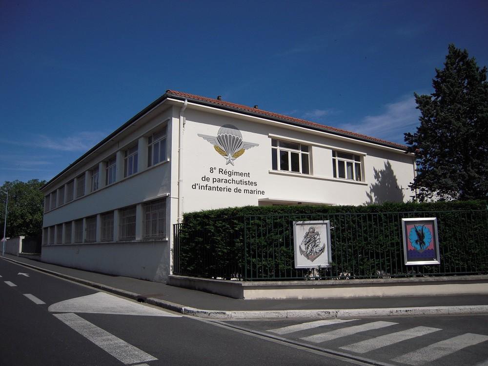 Rénovation façade & place d'armes du 8 ième RPIMA Castres